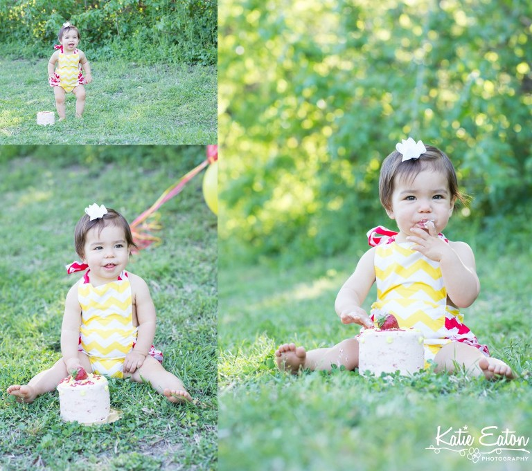 Beautiful images from a cake smash | Austin Family Lifestyle Photographer | Katie Eaton Photography-14