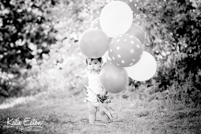 Beautiful images from a cake smash | Austin Family Lifestyle Photographer | Katie Eaton Photography-8