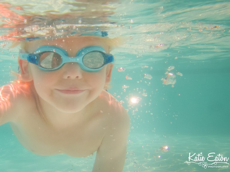 Beautiful images from an underwater session in Austin | Austin Child Photographer | Katie Eaton Photography-1
