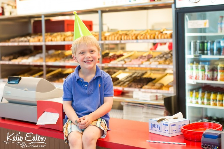 Fun images from a donut shop birthday party | Austin Child Photographer | Katie Eaton Photography-2