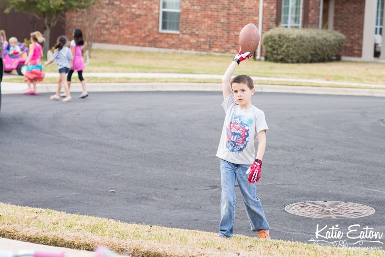 Fun images from children playing old fashion Red Rover | Austin Child Photographer | Katie Eaton Photography-1