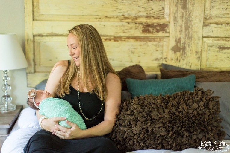 Beautiful images from a maternity session in Austin | Austin Maternity Photographer | Katie Eaton Photography-8