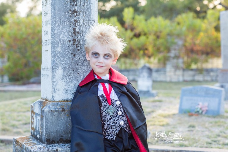 Fun images of vampires on halloween by Katie Eaton Photography-1