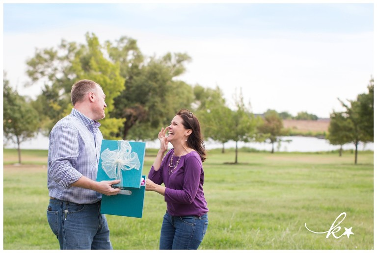 Fun images from a gender reveal by Katie Starr Photography-4