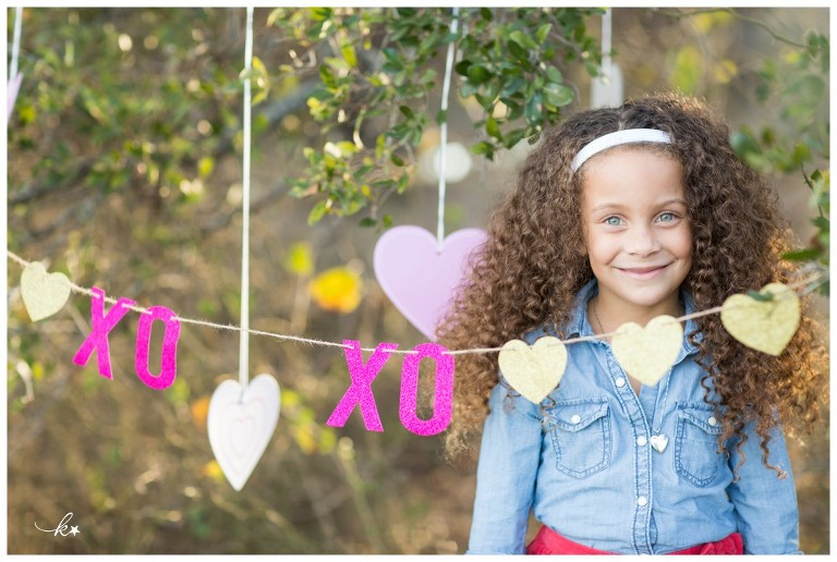 Beautiful images from a valentines day mini photo session in Austin | Austin Family Photographer | Katie Starr Photography-3
