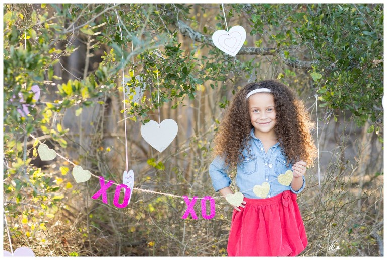 Beautiful images from a valentines day mini photo session in Austin | Austin Family Photographer | Katie Starr Photography-6