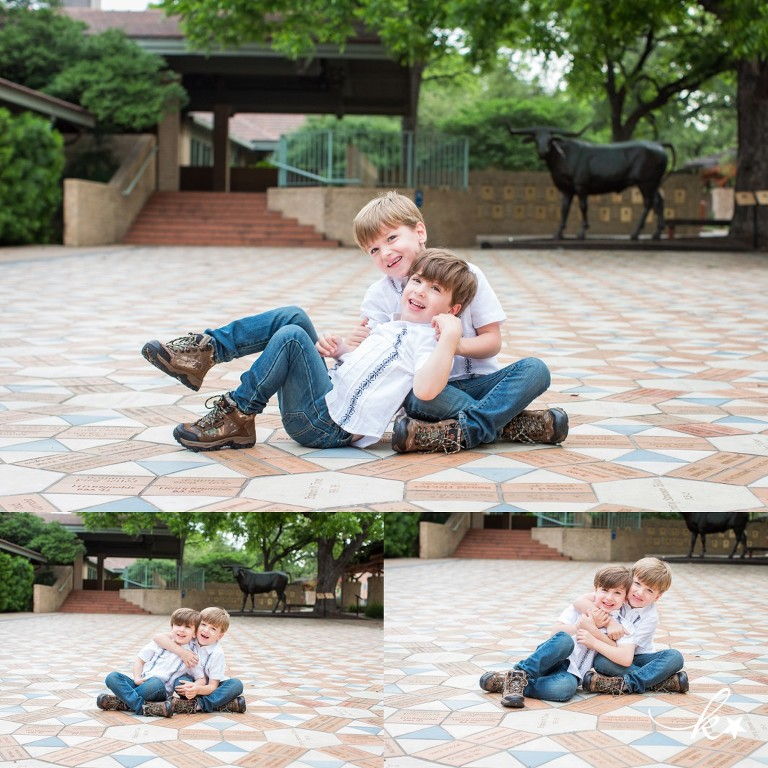 Fun images of siblings in downtown Austin by Katie Starr Photography -5