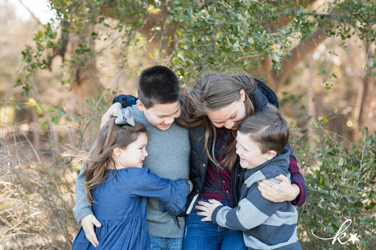 Beautiful imagesof siblings in Austin | Austin Family Photographer | Katie Starr Photography-1