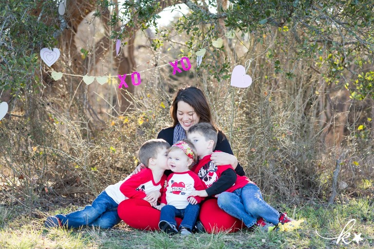 Fun images from a valentines day mini session by Katie Starr Photography -2