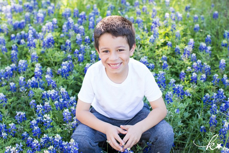 Beautiful images from bluebonnet mini sessions in Austin by Katie Starr Photography-5