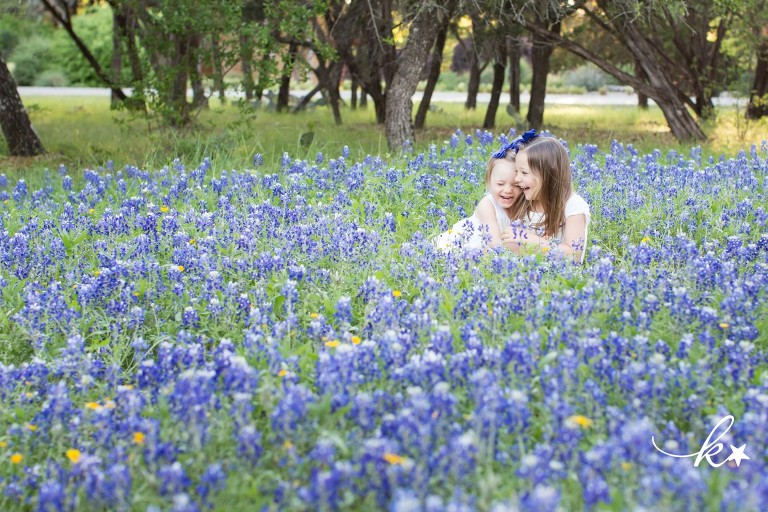 Beautiful images from bluebonnet mini sessions in Austin by Katie Starr Photography-8