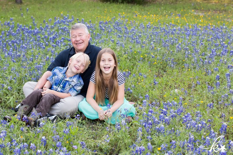 Fun images from bluebonnet mini sessions in Austin by Katie Starr Photography-2